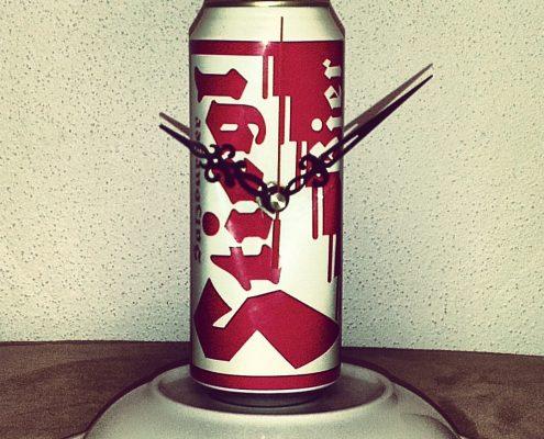 Uhr aus einer Bierdose - Upcycling