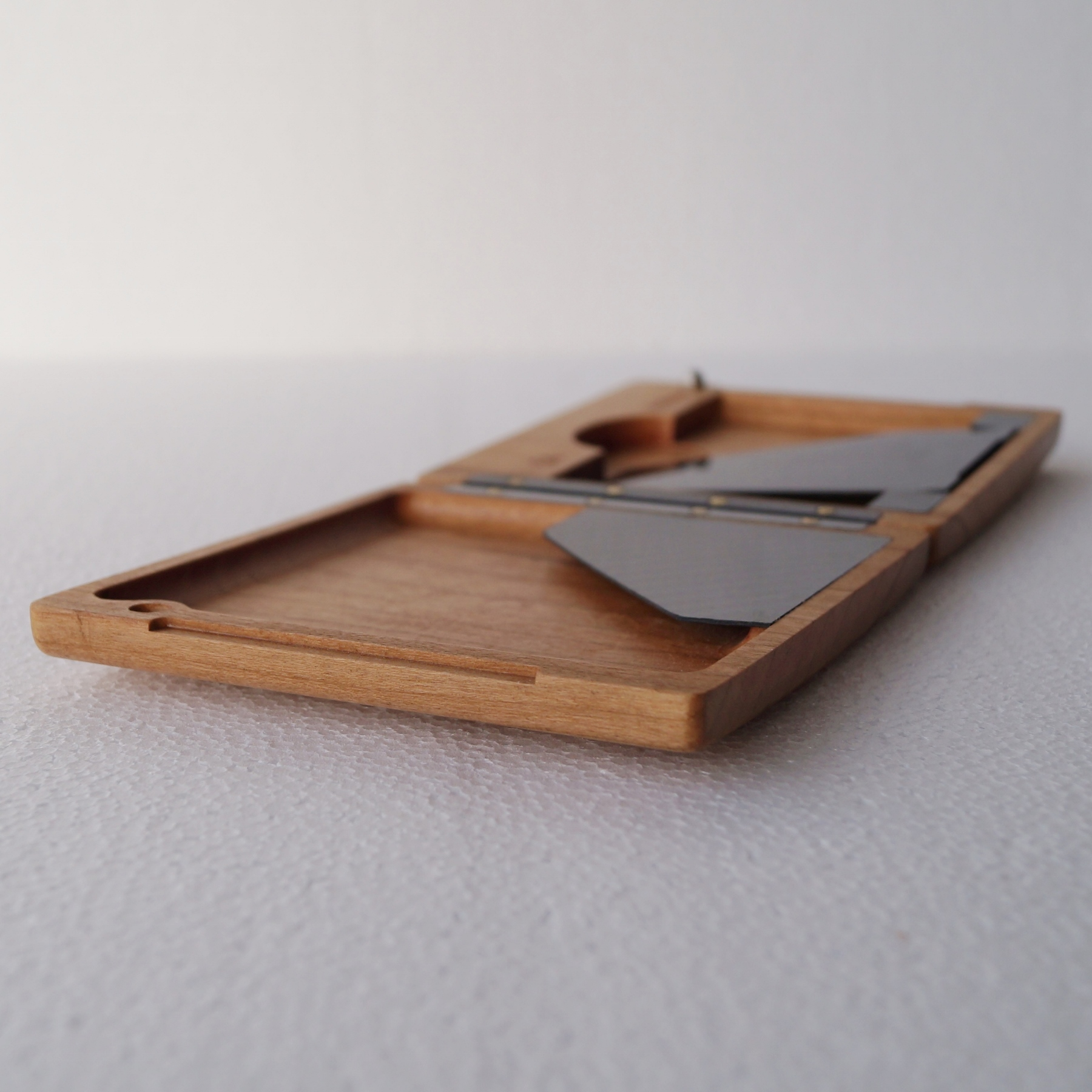 Wogenfels - Brieftasche aus Holz