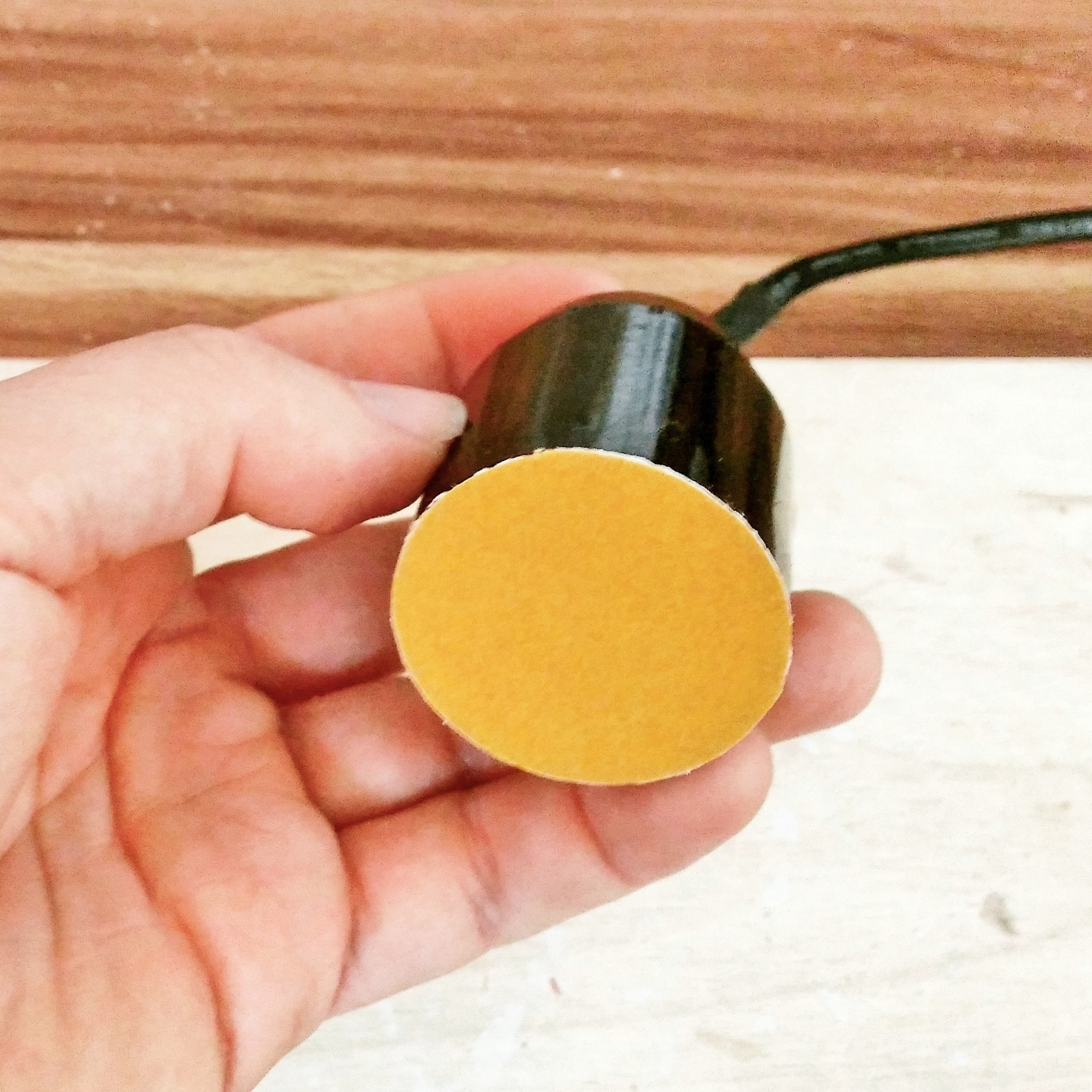 lampe aus beton diy leuchte kreativ blog diy gadgets. Black Bedroom Furniture Sets. Home Design Ideas