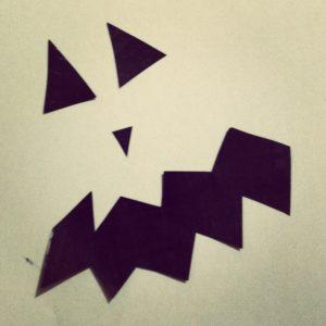 DIY Kürbis aus Pappmache für Halloween