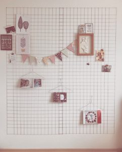 DIY Memo-Gitter für die Wand (c) Theo und Zausel