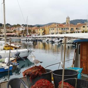 Hafen von Porto Azzurro