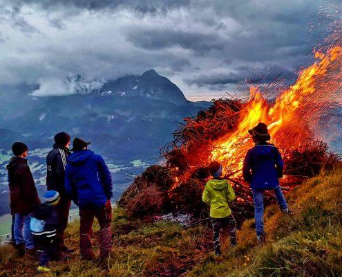 Sonnwendfeuer in den Kitzbüheler Alpen