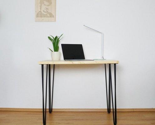 Einfacher DIY Schreibtisch
