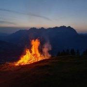 Sonnwendfeuer Wilder Kaiser - Berge in Flammen