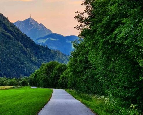 Spaziergang am Achendamm in Erpfendorf